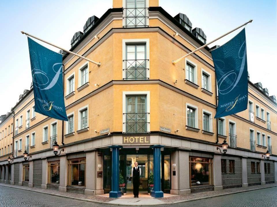 MJs Hotel
